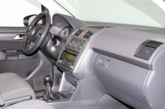 Volkswagen-Touran-5