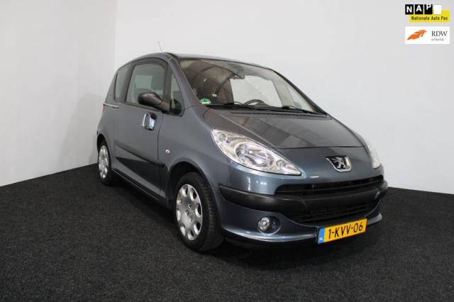 Peugeot-1007